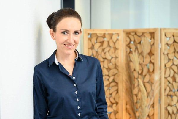 Dr. med. Maria Simidjiiska-Belyaeva - Angestellte Fachärztin für Plastische und Ästhetische Chirurgie