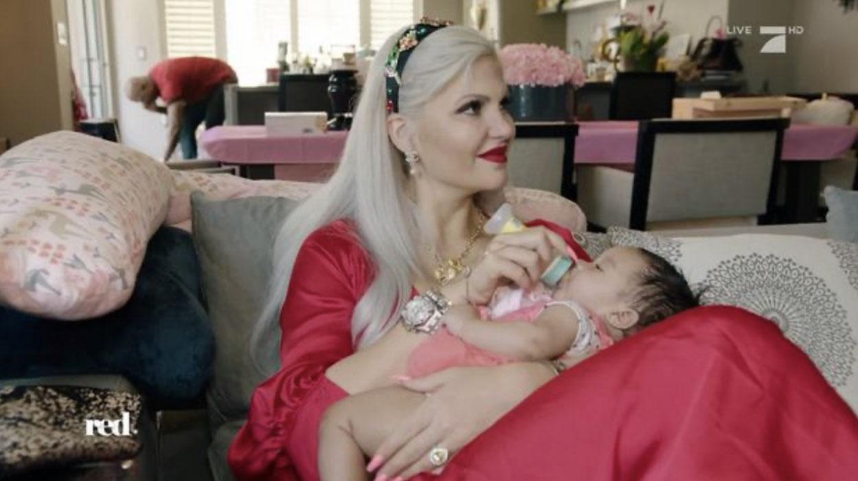 SOPHIA VEGAS ZWISCHEN BOTOX, BABY UND BEAUTYWAHN - red
